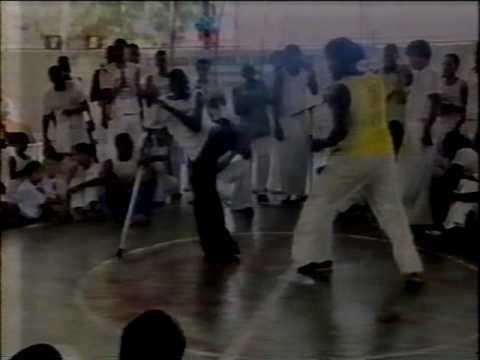 Roda de Capoeira da Apae Salvador - Matéria TVE - dezembro de 2006