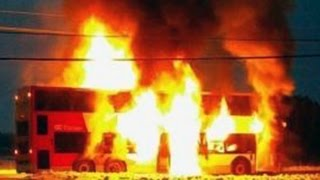 getlinkyoutube.com-Bus Catches Fire And Explodes With People On Board