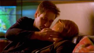 getlinkyoutube.com-Mulder + Scully Relationship (Better Version)