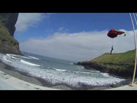 'Base jumping' no Porto da Cruz e Cabo Girão (Madeira)