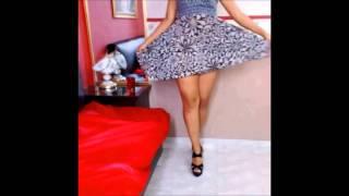 getlinkyoutube.com-Faldas al aire