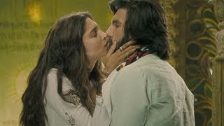 getlinkyoutube.com-Sexy kiss between Deepika Padukone & Ranveer Singh