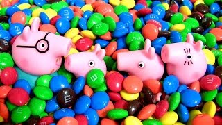 getlinkyoutube.com-Peppa Pig & George Swimming in a Pool of M&M's Chocolate Surprise MLP Kinder My Little Pony