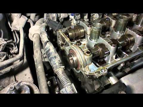 Hyundai Tucson 2005 г. Замена ремня ГРМ и помпы.