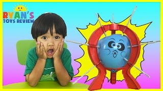 getlinkyoutube.com-BOOM BOOM BALLOON Family Fun Balloon Pop Challenge Egg Surprise Toys Ryan ToysReview