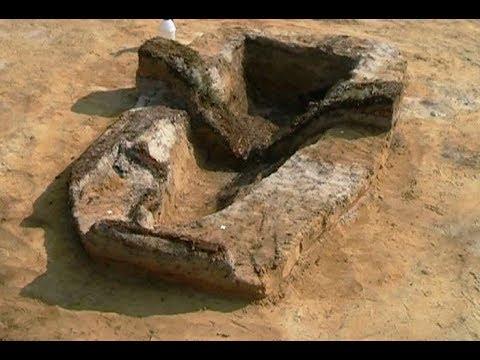 У двойного захоронения на могильнике Нюрымпосллор ученые обнаружили поминальный комплекс