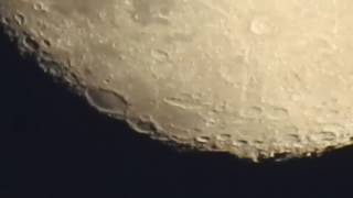 getlinkyoutube.com-Guy Uses Camera to Zoom in on Moon | Nikon P900