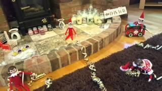 getlinkyoutube.com-Elf on the shelf MOVING!