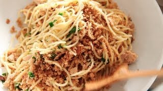 getlinkyoutube.com-Spaghetti with Tuna, Lemon, and Breadcrumbs | Everyday Food with Sarah Carey