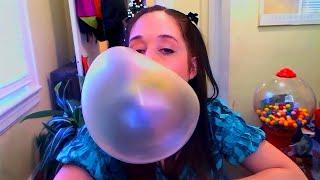 getlinkyoutube.com-Blowing big yellow bubbles with Juicy Fruit bubblegum!