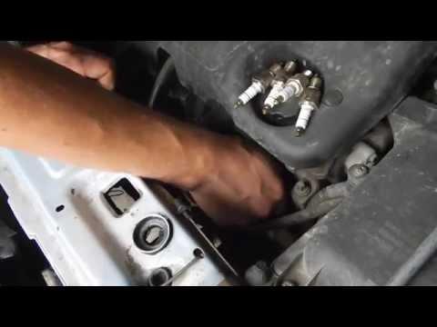 Как заменить свечи на автомобиле