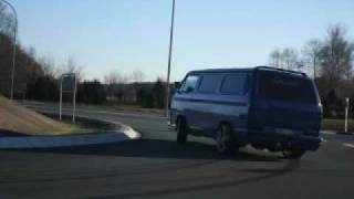 getlinkyoutube.com-T3 VR6 Bus im Drift