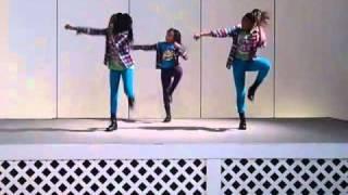 getlinkyoutube.com-Little girls dancing to Hello Good Morning/wobble (trimmed)