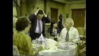 Archie Bunker does Shabbat.. LOL Very Funny!!!!!!!!!!!!!!!!!!!!!!!!!!!!