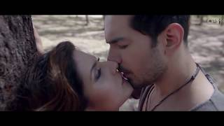 Mere Rashke Qamar Hot Version - Zareen Khan, Abhinav