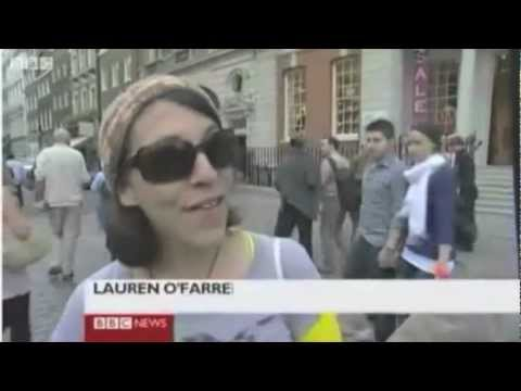 Knit the City: graffiti knitting on BBC News