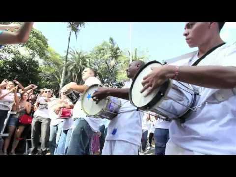 Leandro Lehart e a maior bateria do mundo (filme oficial).mov
