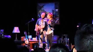 getlinkyoutube.com-Gianmarco y su Hija cantando 2014