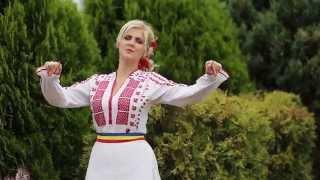 "getlinkyoutube.com-Sabina Leonte Alb: (Bihor) -""In sat mandrutele toate"""