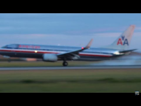 American Airlines 737 landing at Vancouver