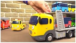 getlinkyoutube.com-TAYO TOYS ⭐︎TRANSPORTER Toy Demo! ⭐︎ 타요 Tayo the Little Bus & Gay Friends Игрушечный автовоз из Тайо