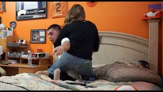 getlinkyoutube.com-CAUGHT CHEATING ON GIRLFRIEND PRANK GONE WRONG! (SHE CHOKED ME)