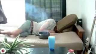 getlinkyoutube.com-فيديو مضحك جدا.. أغرب الطرق للإيقاظ من النوم