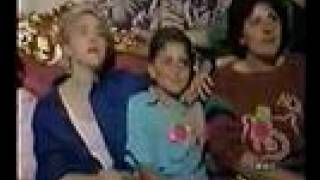 getlinkyoutube.com-Madonna and her italian family in Pacentro