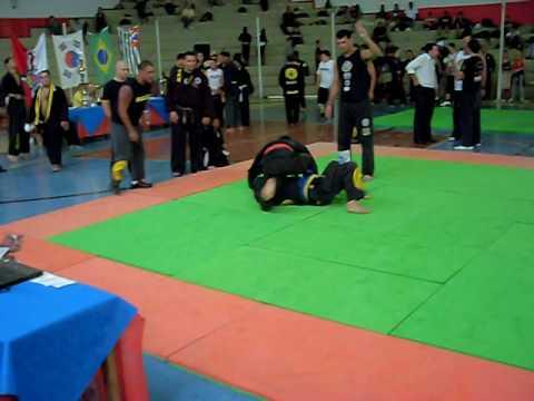 Campeonato de Hapkido luta do Pedro naja.AVI