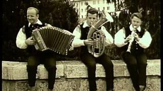 getlinkyoutube.com-Ansambel Lojzeta Slaka - Po dekle (Official Video)