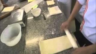 getlinkyoutube.com-Recette des croissants et des pains au chocolat