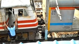 getlinkyoutube.com-WAP-5 Locomotive coupling to Train: Kanpur Shatabdi & Departure from New Delhi