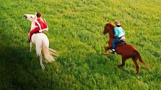 getlinkyoutube.com-BIBI UND TINA 2: VOLL VERHEXT - Filmclip: Bibi & Tina reiten übers Feld