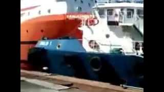getlinkyoutube.com-Accident with AHTS Tug Supplier