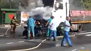 getlinkyoutube.com-LiveLeak com   Four People Die In Horrific Vehicle Inferno
