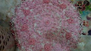 getlinkyoutube.com-Вязание крючком. Вяжем коврик из полосок ткани.