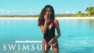 getlinkyoutube.com-Chrissy Teigen's Never Before Seen Sexy Outtakes | Sports Illustrated Swimsuit