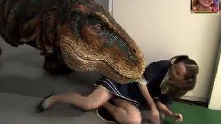 getlinkyoutube.com-Japanese Dinosaur Prank Part 3
