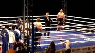 getlinkyoutube.com-Емельяненко побил Бенгтссона за 44 секунды (другой бок)