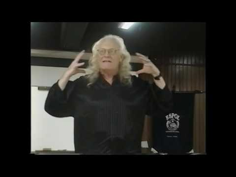 Copernicus lecture in Spanish at the Univ of Guayaquil, Ec. 4/23/02. Part 1