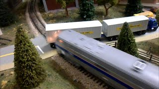 getlinkyoutube.com-HO Scale Amtrak and CSX Crash