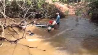 getlinkyoutube.com-F1000 pantanal. Wrangler afundando