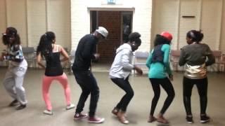 getlinkyoutube.com-Eddy kenzo Dancing and Having Fun With His Fans