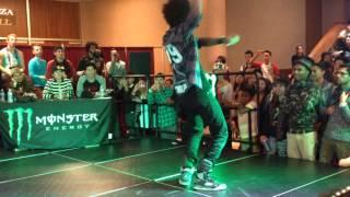 getlinkyoutube.com-LES TWINS | Larry vs. Laurent All Styles Final Battle World Of Dance - WOD SD 2013