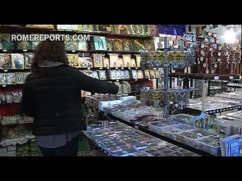 Rome souvenir shops still waiting on increase in sales