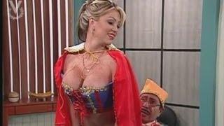 getlinkyoutube.com-¡A Que Te Ríes! - (Sexy Blancanieves) Sabrina y Navarrete