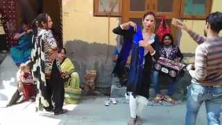 getlinkyoutube.com-Punjabi Hijra Narinder Hijra ( Rani Hijra ) Dance Performing in Delhi Sabka Malik Ek Hai Sai