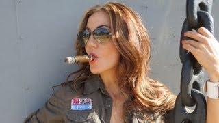 getlinkyoutube.com-Delicia Cigar Vixen's review of American Eagles cigar