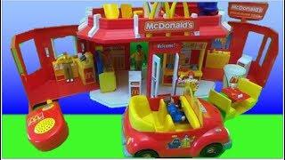 getlinkyoutube.com-McDonalds 2003 Play Set Toy Carry Along Drive Thru Restaurant UNBOXING