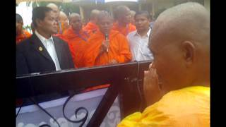 getlinkyoutube.com-Monk BUT Buntenh and 3 Human Rights Officers Were Arrested at Church